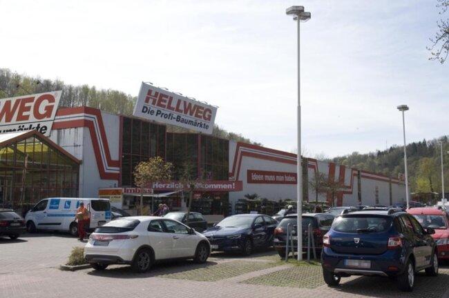 <p>Da Baumärkte im Vogtland einige Zeit nicht öffnen durften, fuhren viele Vogtländer rüber nach Greiz.&nbsp;</p>