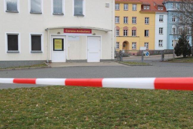 <p>Nach Reichenbach und Rodewisch richtete auch Plauen im März ein Zentrum für Coronapatienten ein. Am Helios Vogtland-Klinikum Plauen.&nbsp;</p>