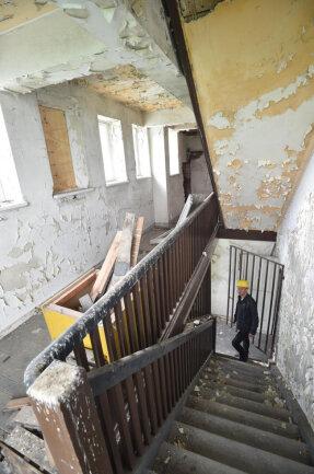 <p>Blick in eines der Treppenhäuser im Turm. Das Betreten der oberen Etagen ist lebensgefährlich, denn das Bauwerk ist einsturzgefährdet.</p>
