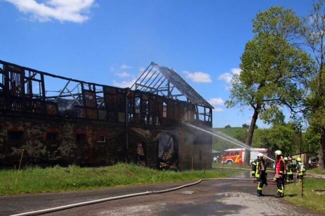 <p>Das Feuer wurde gegen 11.30 Uhr bei der Polizei gemeldet.</p>
