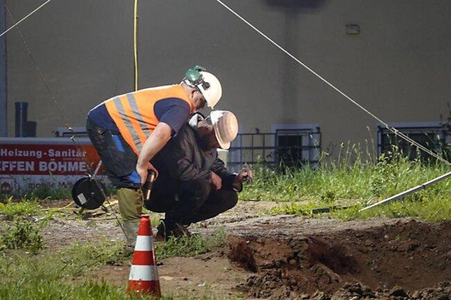 <p>Bei Sondierungen waren Anomalien festgestellt worden, ohne genau zu wissen, um welche Metallteile es sich im Boden handeln könnte.</p>