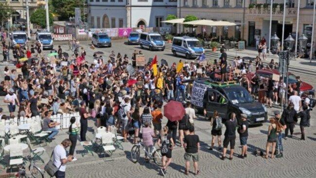 <p>Es kamen mehr Teilnehmer als die erwarteten 250 Personen.</p>