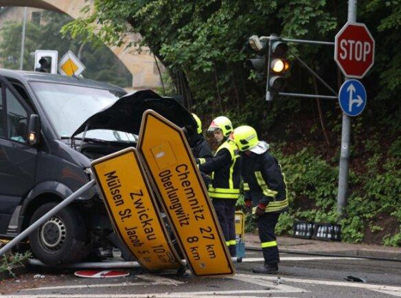 <p>Die Polizei schätzt den Schaden auf 25.000 Euro.</p>
