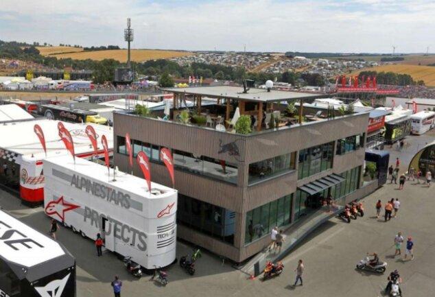 <p>2019: Das Fahrerlager am Sachsenring.</p>