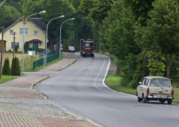 """<p>Ein Trabi zuckelt die Goldbachstraße hoch. So provinziell sieht die Goldbachstraße am """"Rennwochenende"""" 2020 aus.</p>"""