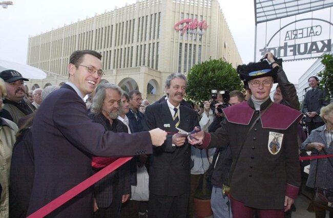 <p>Eröffnung am 18. Oktober 2001.</p>