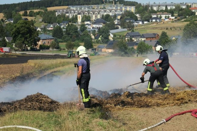 <p>Das Feuer dehnte sich nach Angaben von Augenzeugen innerhalb kurzer Zeit stark aus.</p>