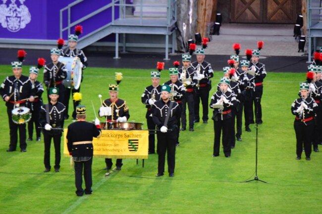 <p>Bei dem Festkonzert am Samstagabend wirkte unter anderem das Landesbergmusikkorps Sachsen aus Schneeberg ...</p>