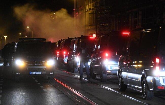 <p>Der Straßenbahnverkehr in dem südlichen Stadtteil wurde gestoppt.</p>