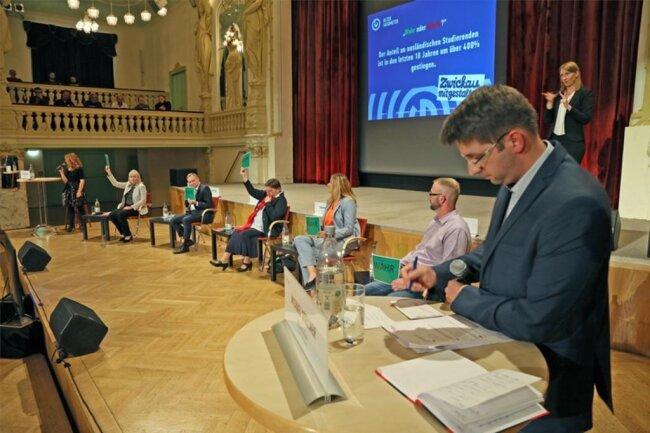 <p>Die Fragen stellten Michael Stellner (Freie Presse) und Claudia Drescher (dpa).</p>