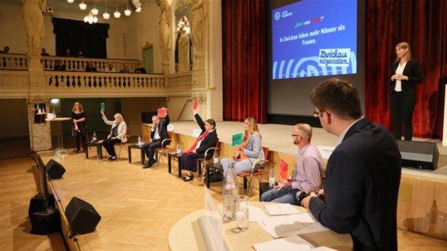 <p>Bei einer Schnellfragerunde wurde das Wissen der Kandidaten zur Stadt Zwickau auf die Probe gestellt.</p>