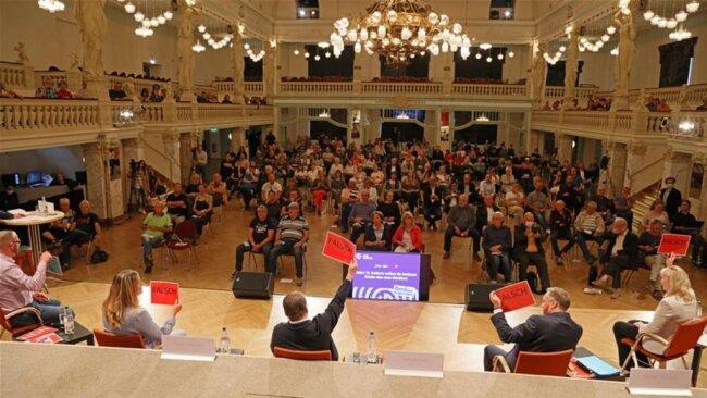 <p>Eingeladen waren alle fünf Kandidaten, die sich am 20. September in Zwickau bewerben: Kathrin Köhler (CDU), Andreas Gerold (AfD), Ute Brückner (Die Linke), Constance Arndt (BfZ) und Michael Jakob (parteilos).</p>