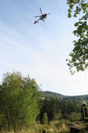 <p>Dort hatten die Bergwacht Carlsfeld und die Feuerwehr den Verletzten bereits gesichert und stabilisiert.</p>