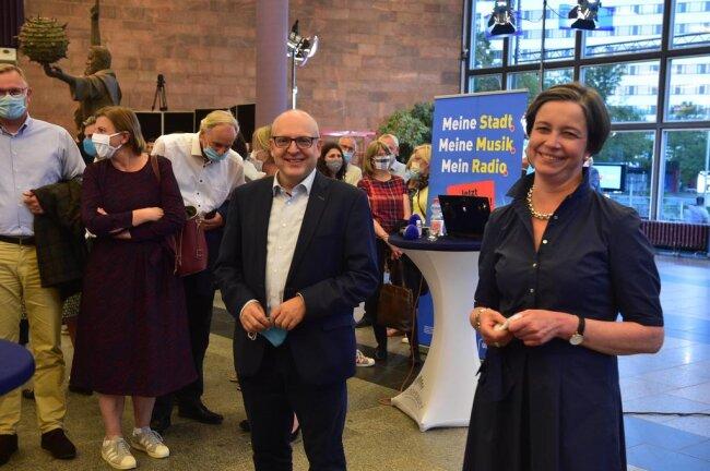 <p>Zwischen dem SPD-Kandidaten Sven Schulze (links) und der CDU-Kandidatin Almut Patt gab es ein Kopf-an-Kopf-Rennen.</p>