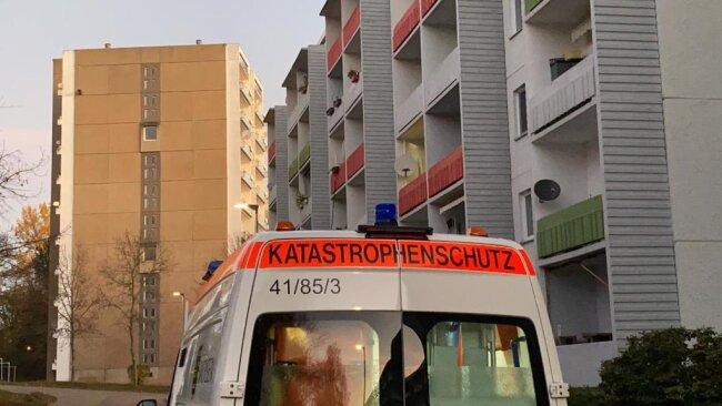 <p>6.50 Uhr: Die Evakuierung ist in vollem Gange. Immer wieder sind Sirenen zu hören, der Katastrophenschutz ist unterwegs.</p>