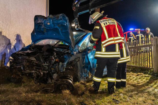 <p>Den Angaben nach entstand Sachschaden in Höhe von rund 54.000 Euro.</p>  <p>&nbsp;</p>