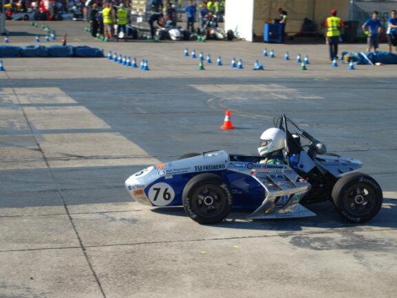 <p>RT 04: 4. Gesamtplatz der Elektrofahrzeuge bei der Formula Student Austria.</p>