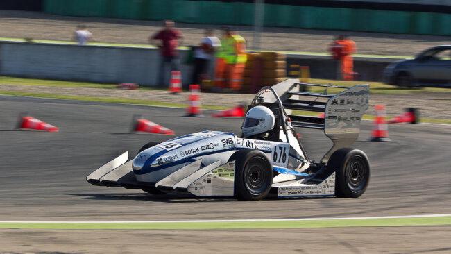 <p>RT 09: Erstes Fahrzeug mit Aerodynamikpaket aus Magnesiumsandwich</p>