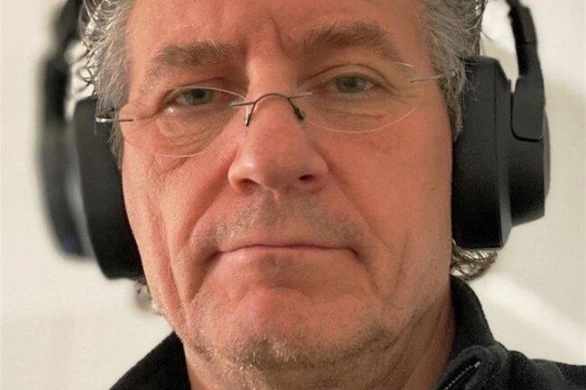 """<p>Ingolf Rosendahl, 58 Jahre, seit 2018 bei der """"Freien Presse"""", davor 25 Jahre bei der """"Leipziger Volkszeitung""""; er schreibt über lokale Themen in Frankenberg, Mittweida, Oederan und in den Gemeinden Niederwiesa und Striegistal; Landesgartenschau, Amazon-Ansiedlung, KZ-Gedenkstätte Sachsenburg. Freizeitbeschäftigung Nummer 1: Rockmusik. Er ist Autor des Buches """"Live in Leipzig"""".</p>"""