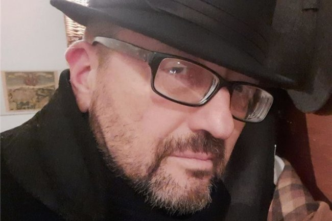 """<p>Lutz Kirchner, von Abfallentsorgung über Kriminalgeschehen bis zu zeitgenössischem Tanz - der Ingenieur und Freizeit-Welterklärer Lutz Kirchner, geboren in Burgstädt und aufgewachsen in Penig, arbeitet seit drei Jahrzehnten für die """"Freie Presse"""" als Texter und gelegentlich als passionierter Lichtbildner. Er war Redakteur in Mittelsachsen und im Vogtland und arbeitet jetzt im Newsdesk.</p>"""
