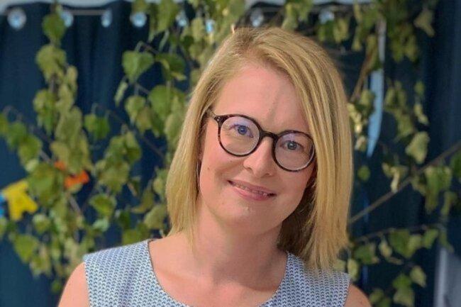 """<p>Kathrin Neumann, Jahrgang 1984, ist ein Eigengewächs der """"Freien Presse"""". Ihren ersten Beitrag verfasste sie zu Schulzeiten für die Lokalausgabe Aue. Nach dem Politik- und Wirtschaftsstudium in Göttingen verschlug es sie zum Volontariat an die Nordsee. Seit 2011 ist sie zurück in Sachsen und schreibt - neben ihrer Arbeit am Newsdesk - vorwiegend für das Kulturressort.</p>"""