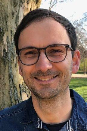 """<p>Georg Müller ist seit mehr als zehn Jahren als Redakteur für die """"Freie Presse"""" tätig - die meiste Zeit davon im Erzgebirge. Als Teil der Lokalredaktion Marienberg ist er vor allem für die Orte Olbernhau und Wolkenstein zuständig. Einer der Schwerpunkte: Kommunalpolitik. In seiner Freizeit ist der 41-Jährige gern in der Natur unterwegs, entweder zu Fuß oder mit dem Kajak.</p>"""