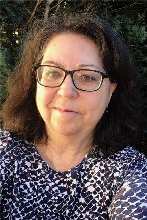 """<p>Petra Lohr Redakteurin im Newsdesk für das Erzgebirge. Petra Lohr hat bereits als Schülerin erste Artikel für die Lokalseite Zschopau der """"Freien Presse"""" geschrieben. .Nach dem Volontariat und einem Journalistikstudium in Leipzig arbeitete sie in verschiedenen Bereichen der Redaktion, viele Jahre im Rssort Ratgeber. Seit2014 ist sie im Lokalen tätig, seit März 2021 im neuen Newsdesk.</p>"""