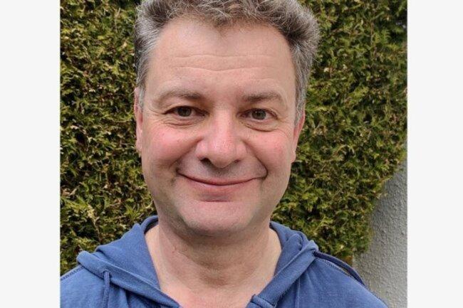 """<p>Bernd Jubelt gehört seit 27 Jahren zum Vogtland-Team der """"Freien Presse"""". Los ging es mit einem einjährigen Reportereinsatz für die Auerbacher Lokalredaktion. Danach wechselte der Diplom-Journalist mit sächsischen Wurzeln nach Plauen. 2009 übernahm er dort als Redakteur die Tagesproduktion der Plauener Lokalausgabe im Vogtland-Desk, für die er bis heute zuständig ist.</p>"""