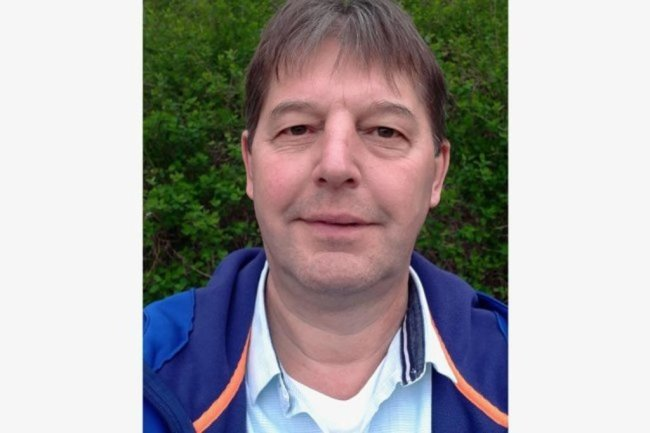 """<p>Lutz Hergert gehört seit fast 29 Jahren zum Team der """"Freien Presse"""". Seinen ersten Artikel verfasste der gebürtige Plauener Ende 1992. Nach einem Jahr als freier Mitarbeiter und einem Volontariat hat er seit Mai 1995 als Redakteur und Vogtlandreporter in Oelsnitz, Plauen und Auerbach gearbeitet. Seit 2019 gestaltet er in Plauen als Layouter Seiten für die Ausgaben im Vogtland.</p>"""