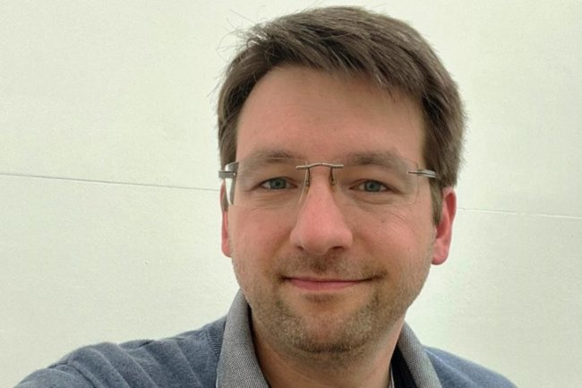"""<p>Michael Stellner, wurde 1982 in Niederbayern geboren, hat Germanistik und Politikwissenschaft studiert und arbeitet seit 2011 für die """"Freie Presse"""". Zuerst war er in der Lokalredaktion Glauchau, seit 2016 ist er in Zwickau. Mittlerweile leitet er die Regionalredaktion Westsachsen. Er mag Kaffee, das rollende R und Knut Hamsun. Gar nicht mag er: Zugfahrten, Herbstwetter und Heuchelei.</p>"""