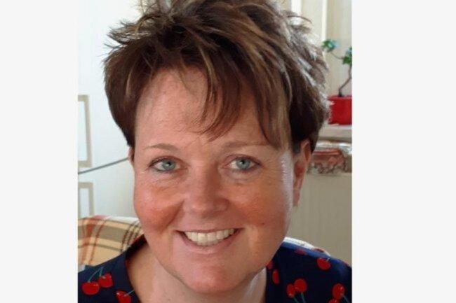 """<p>Annegret Riedel: Alltäglichen und nicht alltäglichen Geschichten und den Menschen, die sie schreiben, ist seit mehr als 30 Jahren Annegret Riedel in der Region Werdau/Crimmitschau auf der Spur. Die Zwickauerin absolvierte ein Volontariat bei """"Freie Presse"""" und ein Fernstudium in Leipzig. Am liebsten ist die 53-Jährige in ihrer Freizeit mit dem Rad und mit Freunden unterwegs.</p>"""