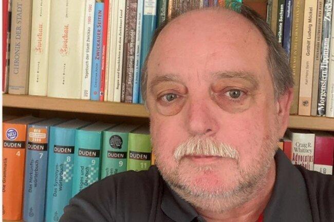 """<p>Frank Dörfelt, kam auf Umwegen zur """"Freien Presse"""": Zunächst als Freiberufler und später als Redakteur bei einem Zwickauer Anzeigenblatt. Seit 2014 zunächst freier Mitarbeiter der Lokalredaktion Zwickau der """"Freien Presse"""", seit 2017 fest angestellt. Zu den Hobbys gehören Recherchen zu historischen Ereignissen, Kunstdiebstähle und die Suche nach verschwundenen Kunstwerken.</p>"""