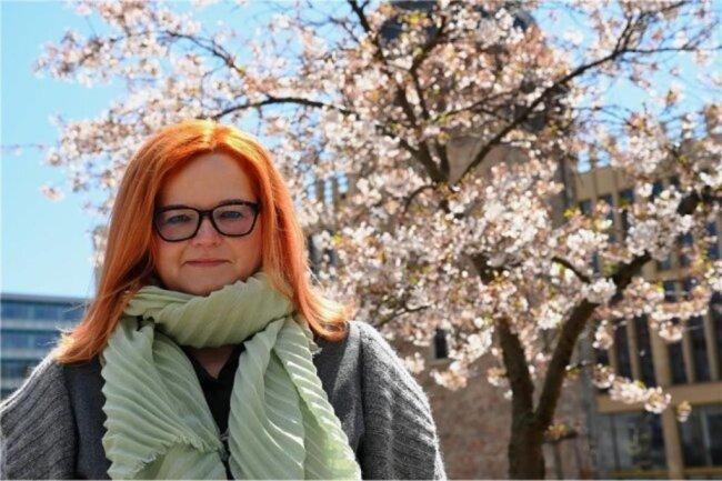 """<p>Sandra Häfner, nach dem Studium 15 Jahre freiberuflich als Reporterin im mittleren Erzgebirge im Einsatz. Nach dem Wechsel nach Chemnitz seit 2017 in der Stadtredaktion der """"Freien Presse"""" angestellt. Sie interessieren vor allem Menschen und ihre Geschichten. Weitere Themen: Aktuell insbesondere das Impfen gegen Corona, Ärztemangel in der Stadt, Bildung und Literatur, Politik.</p>"""