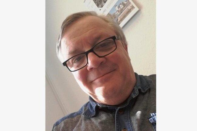 """<p>Peter Janka ist ein Ur-Plauener und seit Beginn seines Volontariats 1977 Mitarbeiter der """"Freien Presse"""" beziehungsweise eines ihrer Tochterunternehmen. Nach dem Journalistikstudium in Leipzig arbeitete der inzwischen 62-Jährige viele Jahre als Lokalredakteur in Oelsnitz/Vogtland. 2010 kehrte er nach Plauen zurück, wo er seitdem als Sportredakteur tätig ist.</p>"""