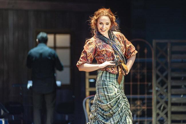 <p>In der Inszenierung von Wolf Widder spielt Christina Maria Heuel die Adina.</p>