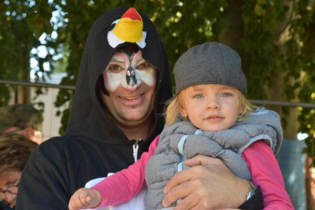 <p>Jesko Vogel zeigte sich oft volksnah, hier als Pinguin beim Tierparkfest 2019.</p>