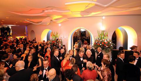Opernball 2010  Bildnummer 085