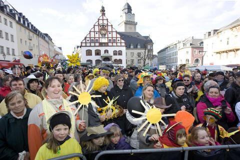 <p> 15.000 Menschen standen an der 1,5-Kilometer-Strecke.</p>