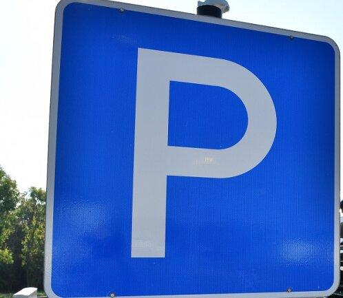 Auf der Marienthaler Straße in Zwickau, zwischen Paulus- und Erntestraße, werden versuchsweise Kurzzeitparkplätze eingerichtet.