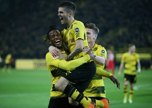 In letzter Minute: BVB besiegt Frankfurt knapp mit 3:2