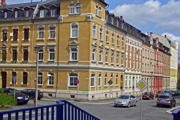 An dieser Stelle treffen in Haselbrunn die Geibel- und die Gunoldstraße aufeinander.