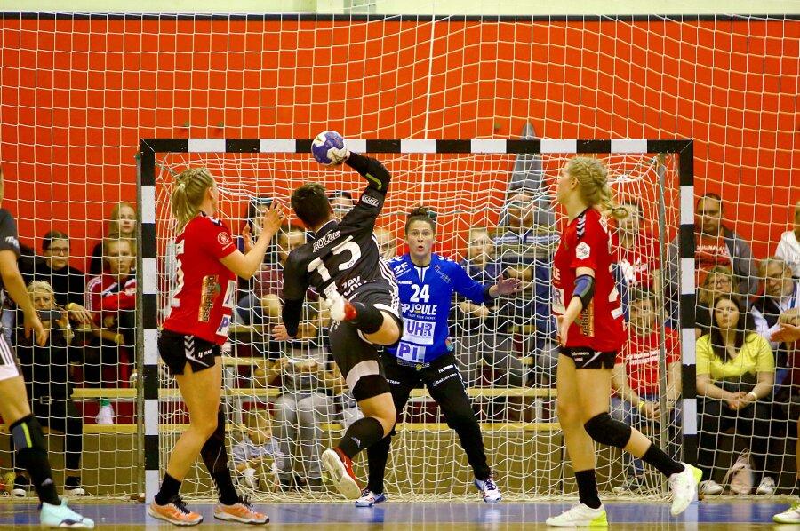 Nadja Bolze konnte bei der Niederlage des BSV Sachsen Zwickau gegen Harrislee ihrer Mannschaft in der zweiten Halbzeit nicht mehr helfen. In der 33. Minute musste sie nach einer roten Karte von der Platte.