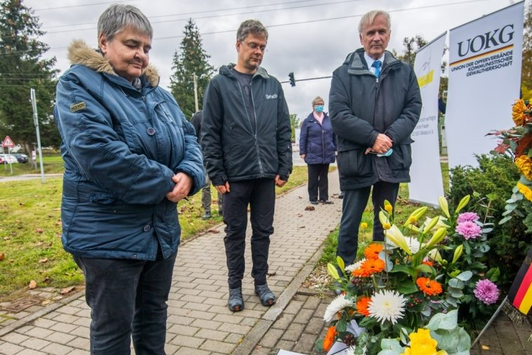 Kranzniederlegung zum Gedenken in Hoheneck