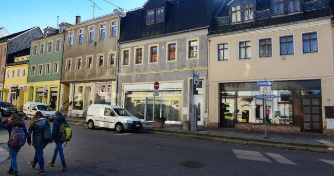 Verwaiste Geschäfte in der Rochlitzer Straße in Mittweida. In sächsischen Kleinstädten greift der Leerstand um sich.