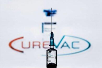 Spektakulär viel Geld hat der Bund in den Impfstoff von Curevac investiert. Vor ziemlich genau einem Jahr kündigte die Regierung an, mit 300 Millionen Euro einzusteigen. Im vergangenen September hieß es, dass Curevac vom Bund überdies eine Finanzspritze in Höhe von 252 Millionen Euro zur Erforschung seines Corona-Vakzins erhalte.