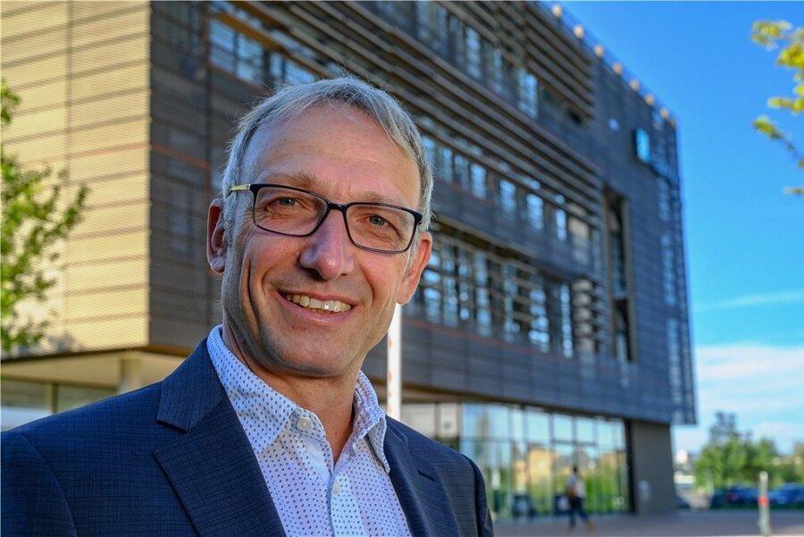 Harald Kuhn will als neuer Direktor das Chemnitzer Fraunhofer-Institut Enas auf die nächste Stufe heben: Forschung just in time.