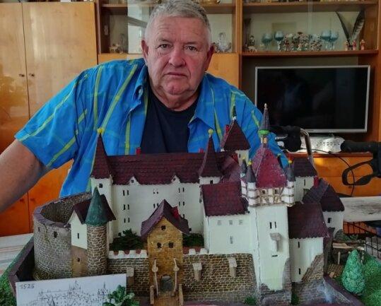 Schloss Freudenstein ist das letzte Modell, das unter den geschickten Händen von Harald Dittrich entstanden ist.