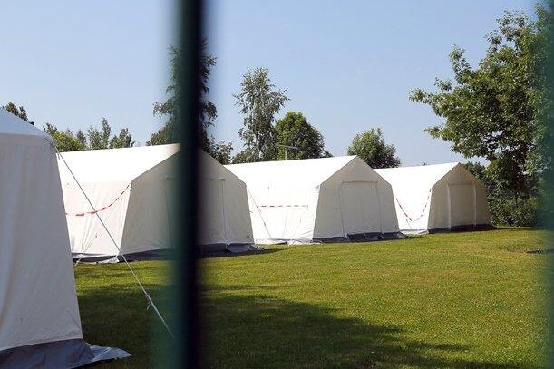 Unterbringung von Asylbewerbern: Zelte in Chemnitzer Erstaufnahmeeinrichtung aufgestellt