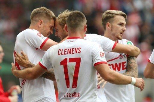 Der 1. FC Köln hat die Tabellenführung übernommen