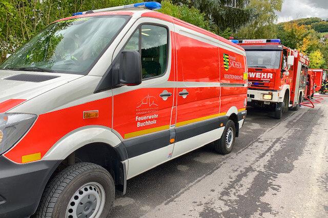 Bereits am Freitag war die Feuerwehr an der B 95 zum betroffenen Lkw ausgerückt.
